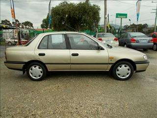 1993 Nissan Pulsar TI N14 ES Sedan
