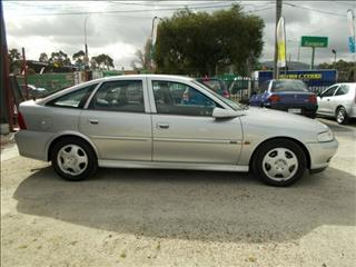 2000 Holden Vectra CD JS2 MY01 Hatchback