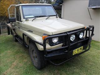 1988  TOYOTA LANDCRUISER (4x4) HJ75RP 4WD C/CHAS