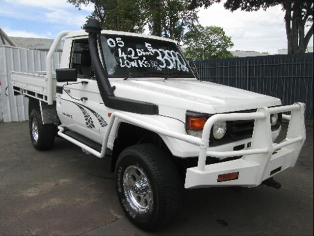 2005  TOYOTA LANDCRUISER  HZJ79R CAB CHASSIS