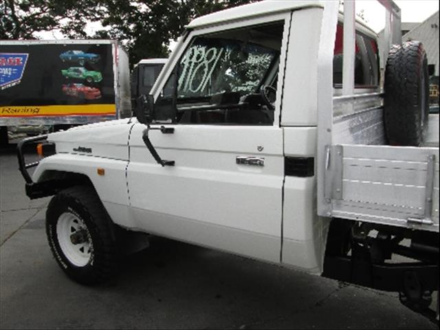 1995  TOYOTA LANDCRUISER  HZJ75RP CAB CHASSIS