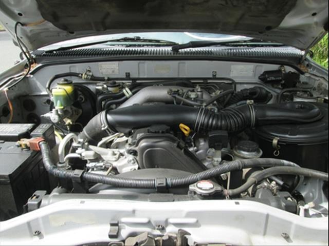 2004  TOYOTA HILUX DUAL CAB KZN165R MY02 UTILITY