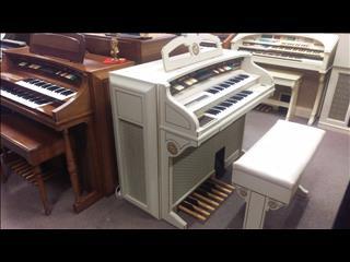 Gulbransen 400 Series Organ in Ivory & Gold