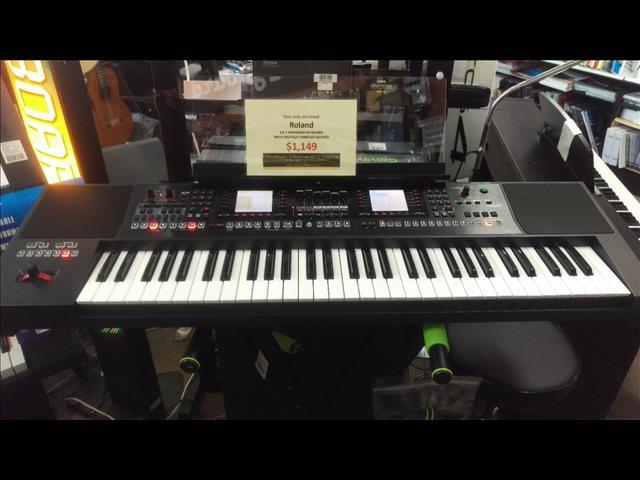 Roland E-A7 Expandable Arranger Keyboard