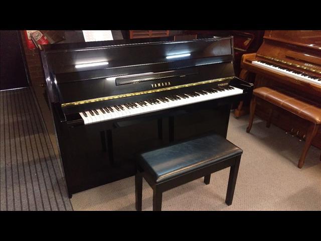 Yamaha C108 Polished Ebony Upright Acoustic Piano (1993)