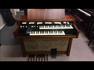 Hammond M100 Series Tone Wheel Organ