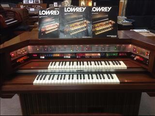Lowrey MX1 Organ