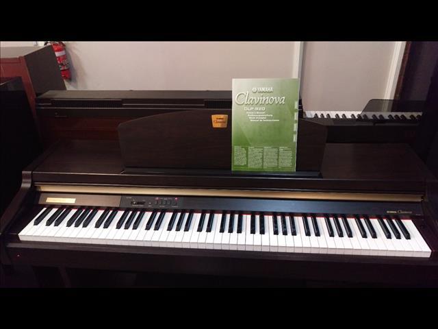 Yamaha CLP920 Clavinova Digital Piano