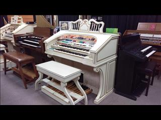 Wurlitzer Theatre Organ 950TA Deluxe Ivory & Gold Finish