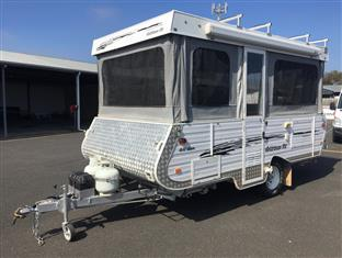 Goldstream Goldcrown camper trailer