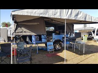 ULURU FORWARD FOLD CAMPER TRAILER