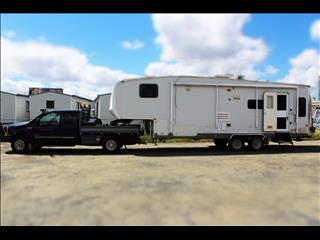 2004 Durango by KZ and 1999 Ford F250 Extra Cab