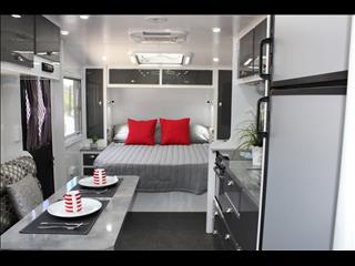 2017 On The Move TRAXX Bunk caravan 22'