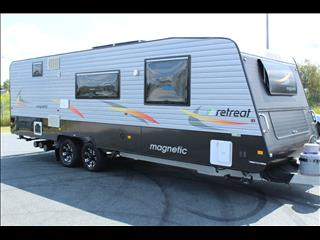 2014 Retreat Magnetic Caravan 25'