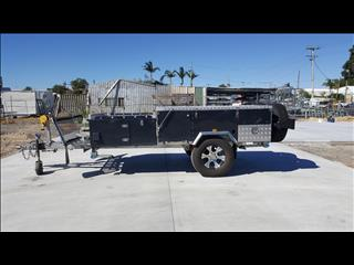 2013 Ultimate Forward Fold 4x4 Camper trailer