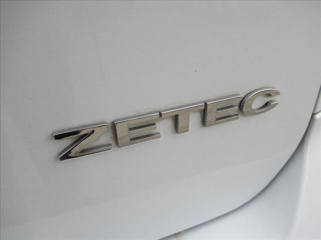 2010 FORD FOCUS ZETEC LV 5D HATCHBACK