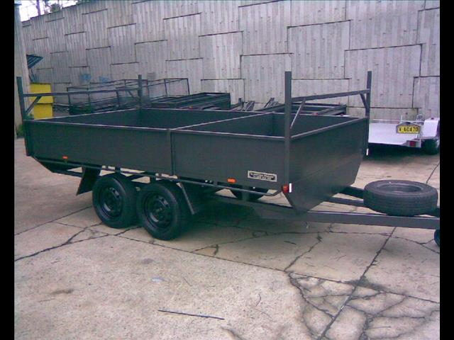 Table Top Box Trailer with Dual Box, (Item 535)