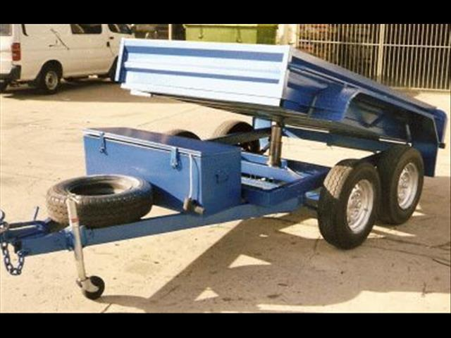 Box Trailer with Hydraulic Lift Tipper (Item 131)