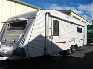 Caravan Hire - Coromal with Double bed + Ensuite