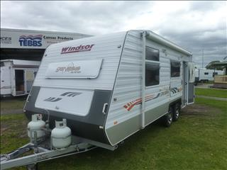 2010 WINDSOR GENESSIS 638S 21FT ENSUITE CARAVAN