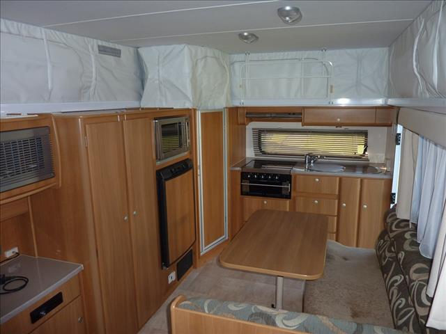 2010 JAYCO DISCOVERY  18FT TANDEM POP TOP WITH SHOWER/TOILET COMBO