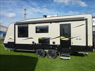 NEW 2016 19 FT  SNOWY RIVER CARAVAN WITH SIDE OUT LOUNGE ON SALE NOW