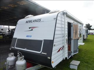 2009 NEWLANDS LTD EDITION 20 FT ENSUITE CARAVAN