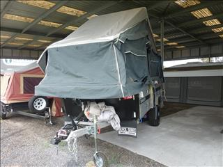 2018 BLACK SERIES DOMINATOR OFF ROAD CAMPER TRAILER