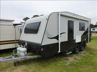 2016 GOLDSTAR 19FT TANDEM CARAVAN WITH ENSUITE