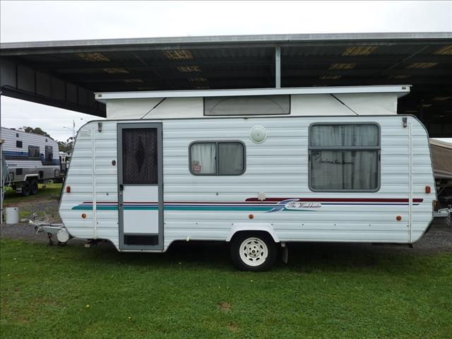 2000 WINDSOR WINDCHEATER POP TOP WITH FULL ANNEXE