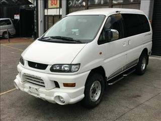 2002 Mitsubishi Delica SPACEGEAR Series 2 Wagon