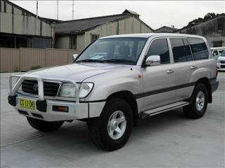 1999 Toyota Landcruiser RV 105 Wagon