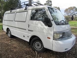 2002 MAZDA E2000  E VAN
