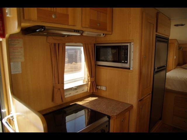 "2008 21"" Bushtracker Ultimate Offroad Caravan"