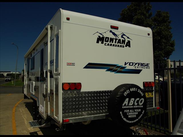 """2017 Montana Voyage Extreme 20'6"""" This much sort after caravan is in as new condition!"""