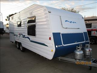 "2007 Benetton by Concept, 21'6"" Tandem Tourer, Queen Bed, L-Shaped Dinette, Full Ensuite......"