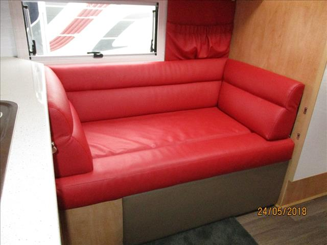 2006 Creative Family Pop Top, Shower and Toilet, Bunks and Double Bed.....