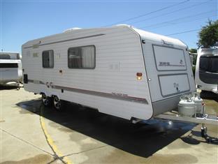 "1995 Island Star Caravan,  20'6"" Tandem Tourer, shower and Toilet, East/West Double Bed......"