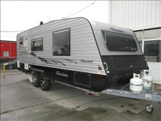 2013 Regent Cruiser 20' .Tandem Tourer, Queen Bed, Cafe Seating, and Full Ensuite.....