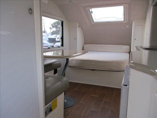 2013 KARAKAMPA Caravan, Shower and Toilet, Double Island Bed, Lightweight Tourer......