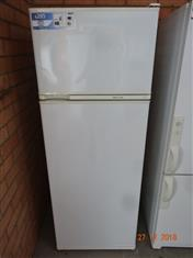 Fisher & Paykel 412L fridge/ freezer