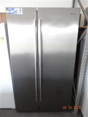 Westinghouse 700L stainless steel side by side fridge/ freezer