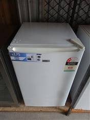 Casera 103L bar fridge