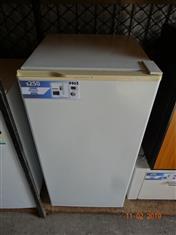 Kelvinator 140L freezer