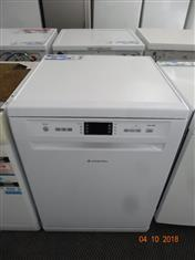 Ariston white dishwasher