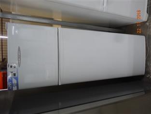 Fisher & Paykel 248L fridge/ freezer