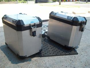 BMW R1200GS ADVENTURE PANNIER BAGS AND RACKS
