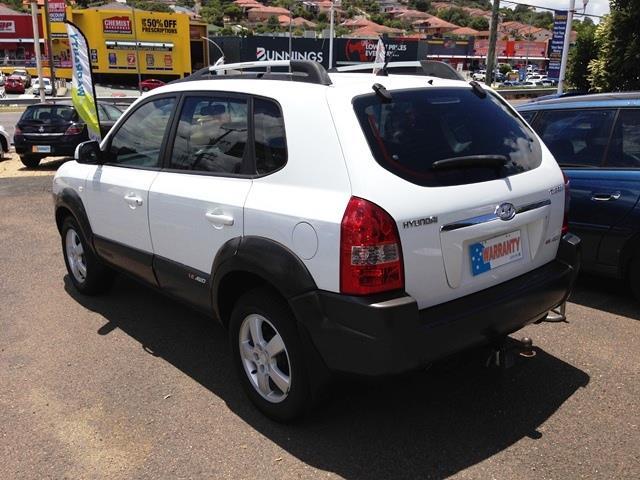 2004 Hyundai Tuscon   Wagon