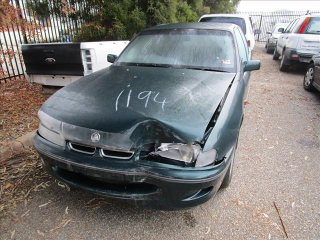 Holden Commodore VS sedan 5/96 (Wrecking)