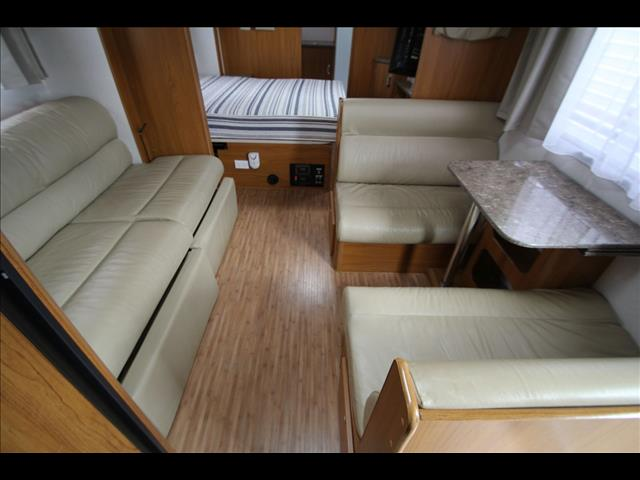2011 Jayco Sterling Slide-Out W/Ensuite Shower & Toilet